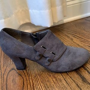 Hush puppies Soft Styles Ankle Booties
